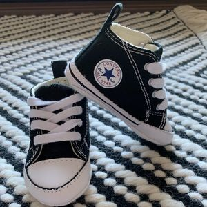 "Converse Baby ""First Star"" Hi Top's Black (sz 3) NWT"
